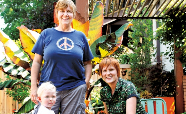 Joanne Grobe, Kate Pabst, and Teeg. Photos by Mike Hnida