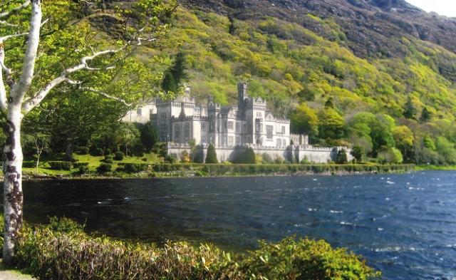 Romantic Kylemore Abbey, Ireland. Photos by Carla Waldemar