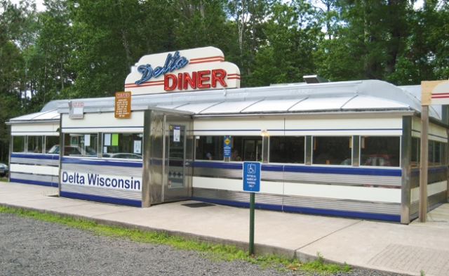 A funky meal at Delta Diner. Photos by Kristin Thompson