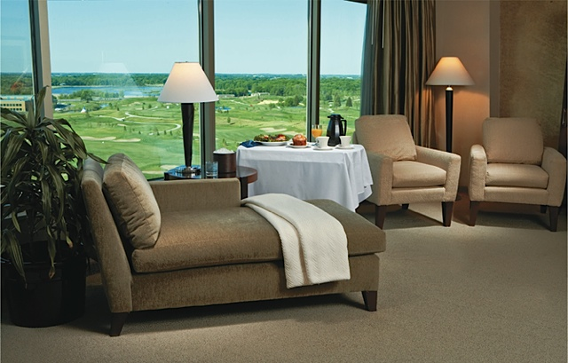 Mystic Lake Casino Hotel Suite. Photo courtesy of Mystic Lake Casino Hotel