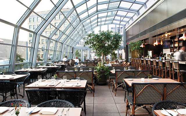 Dine out all year round while protected from the elements under UNION's retractable rooftop. Photos by Hubert Bonnet