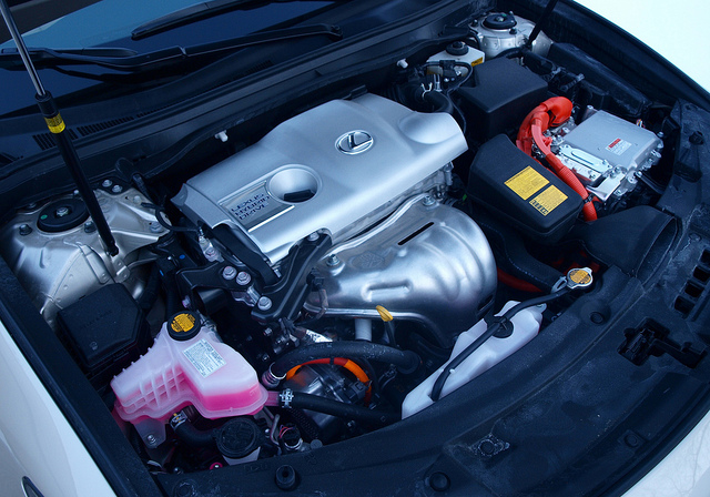 Lexus ES 300h engine