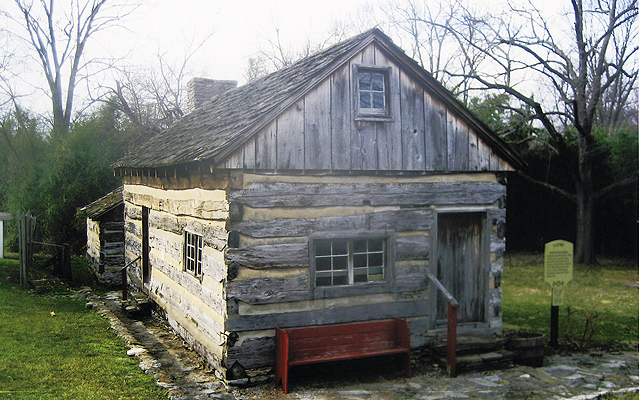Log Cabin-Old Washington