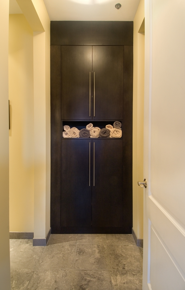 PHOTO 01-closet builtin