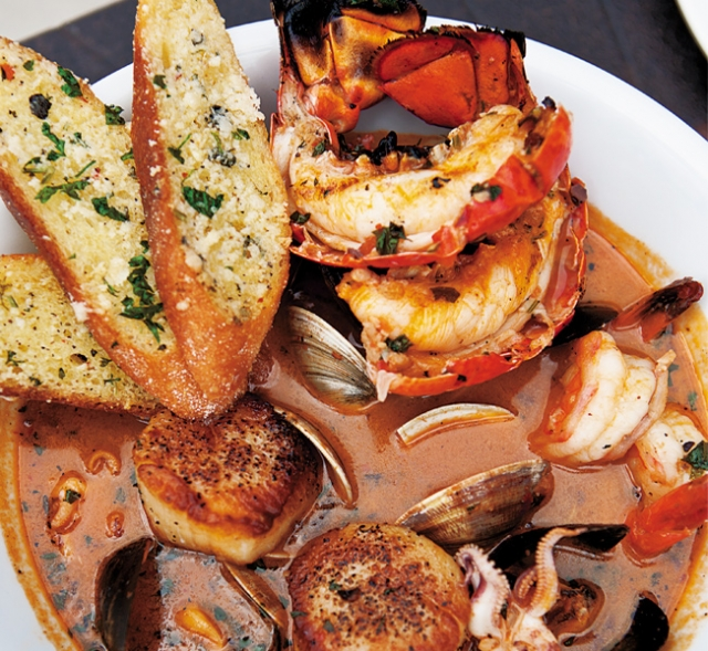 Cioppino Caruso at Cossetta's and Louis. Photo by Hubert Bonnet