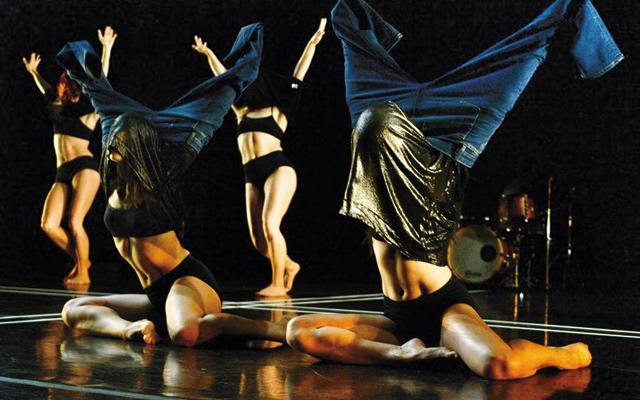Molten Substance, quartet for women in Zenon's 31st Fall Season. Photo by Luciana Achugar