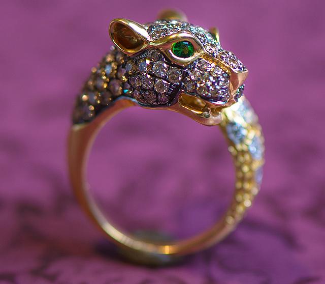 Diamond-Panther-Ring