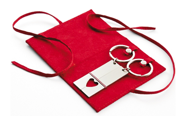 Gift-Guide-Couple-Key-chains