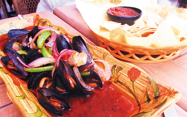 Fresh Mussels at The Palms. Photo by Carla Waldemar