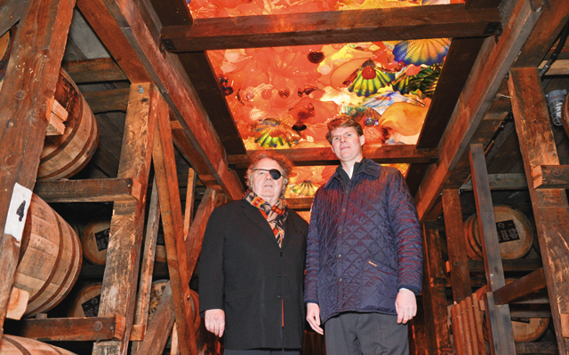 Dale Chihuly & Rob Samuels. Photo courtesy of Maker's Mark Distillery