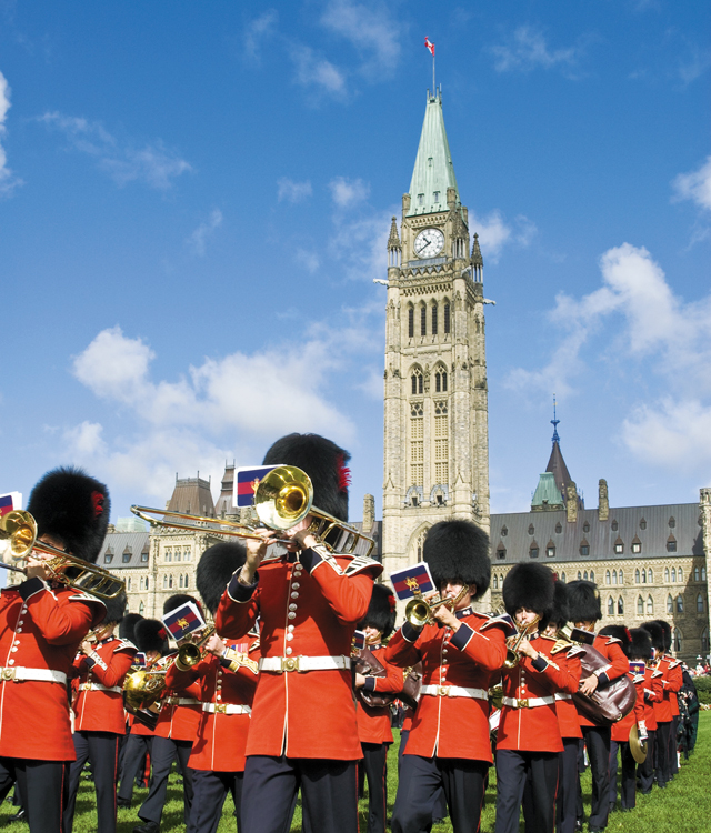 Ottawa Ceremonial Guard Band on Parliament Hill, Ottawa. Photo courtesy of © Ottawa Tourism