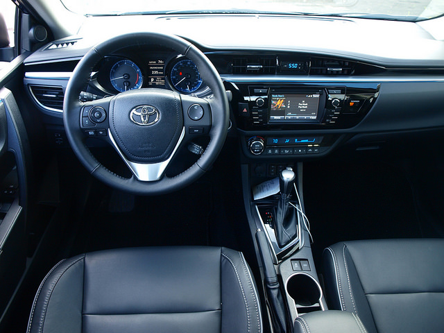 Toyota Corolla S 2