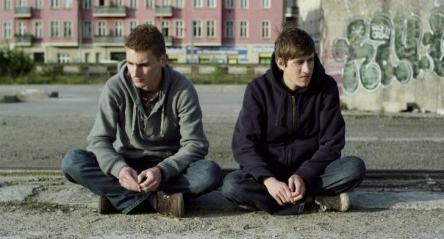 Silent Youth: Mark (Martin Bruchmann) and Kirill (Josef Mattes)