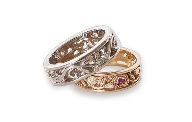 14K-Yellow-Gold-and-Palladium-Two-Ring-Set