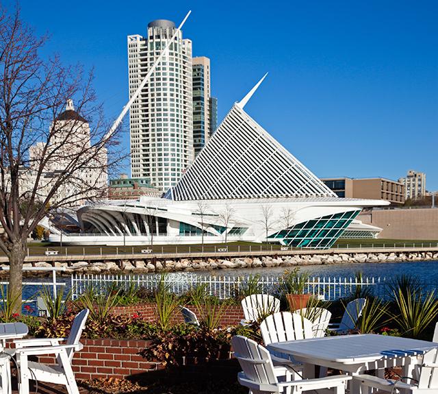 Milwaukee Art Museum on the lakefront