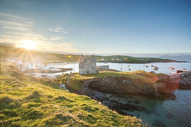 Bay Coast Clare Island Beach Castle Harbour. Photo by Kelvin Gillmor