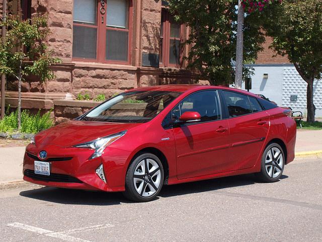 Toyota Prius Alt 1