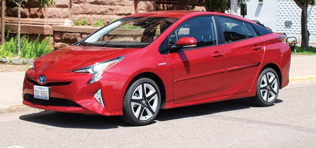 Toyota-Prius-feature