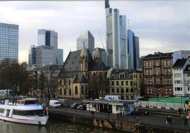 Frankfurt's-River-Main-inspired-the-city's-nickname-of-Main-hattan.