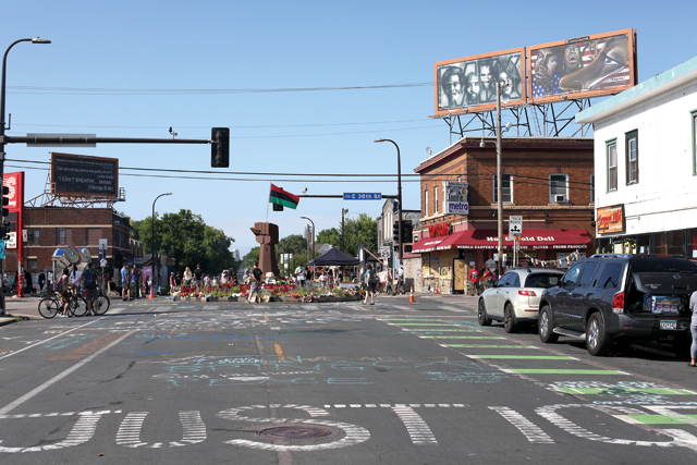 Looking-north-on-Chicago-Ave,-toward-38th-Street_Photo-by-Ryan-Patchin