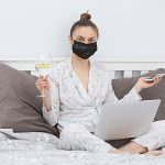 Pandemic Dating: Swiping Etiquette