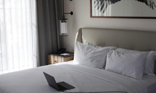 Inn-Town Stay: The Elliot Park Hotel